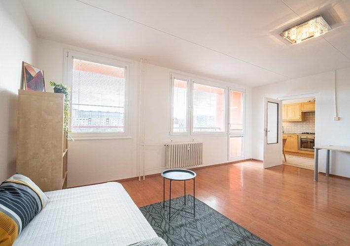 Купить апартаменты в праге вид на жительство в сша при покупке недвижимости